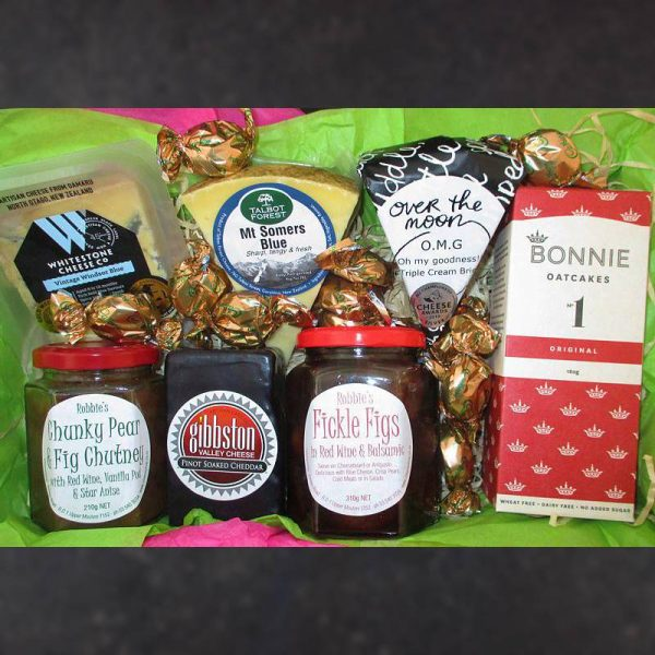 CheeseShop Gourmet Gift Hamper Spicey Pinot Figs and Blue Cheese
