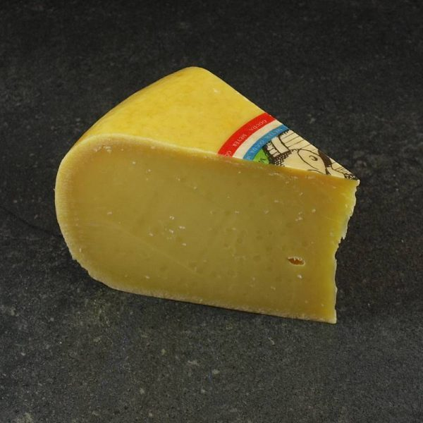 CheeseShop Meyer Vintage Gouda cut fresh